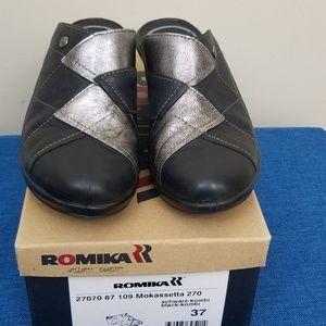 New In Box Romika Mokassetta 270, Size 6.5